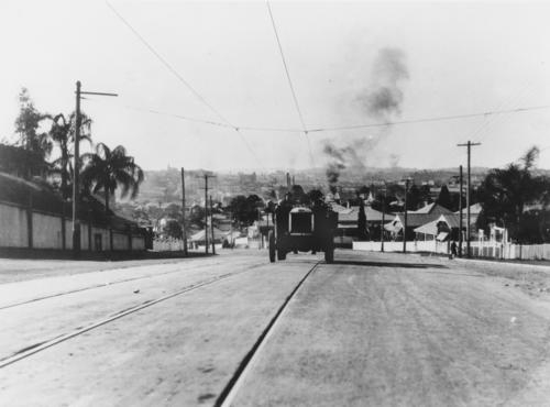 Fire engine climbing up Gladstone Road towards Dornoch Terrace Highgate Hill 1929