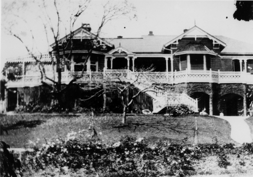 Highgate Hill residence Tarong in Brisbane ca. 1922