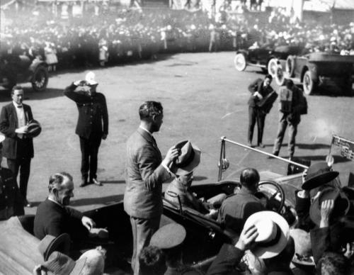 prince wales greets crowds Brisbane