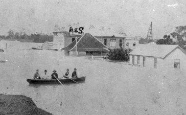 Allan and Stark's Stanley SAtreet South Brosbane store during the 1893 flood. (State Library f Queensland)