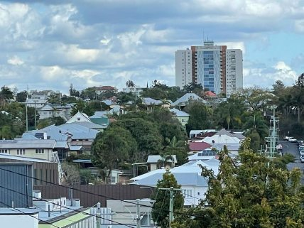 Torbreck viewed from Woolloongabba in 2021. (P. Granville)