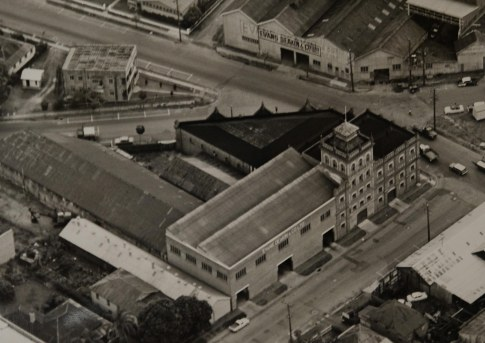 West End Brewery ca 1960 (John Oxley Library courtesy of EDI Downer Pty Ltd)
