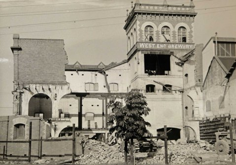 West end Brewery Demolition ca 1960 (John Oxley Library courtesy of EDI Downer Pty Ltd)