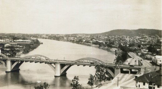 The Grey Street bridge and Milton reach (Sidues Series Postcard No.1040)