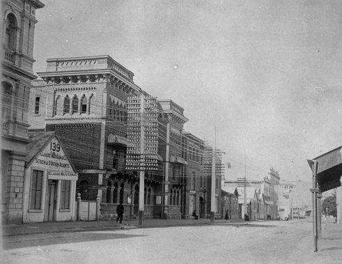 elizabeth street 1900 poles