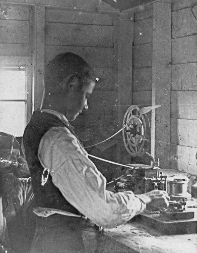 telegraph operator bulwer island 1899