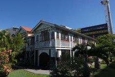 Dr neill house russell street