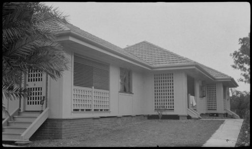 Daphne Mayo's cottage at Highgate Hill (Fryer Library, University of Queensland)