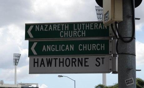 hawthorne street sign