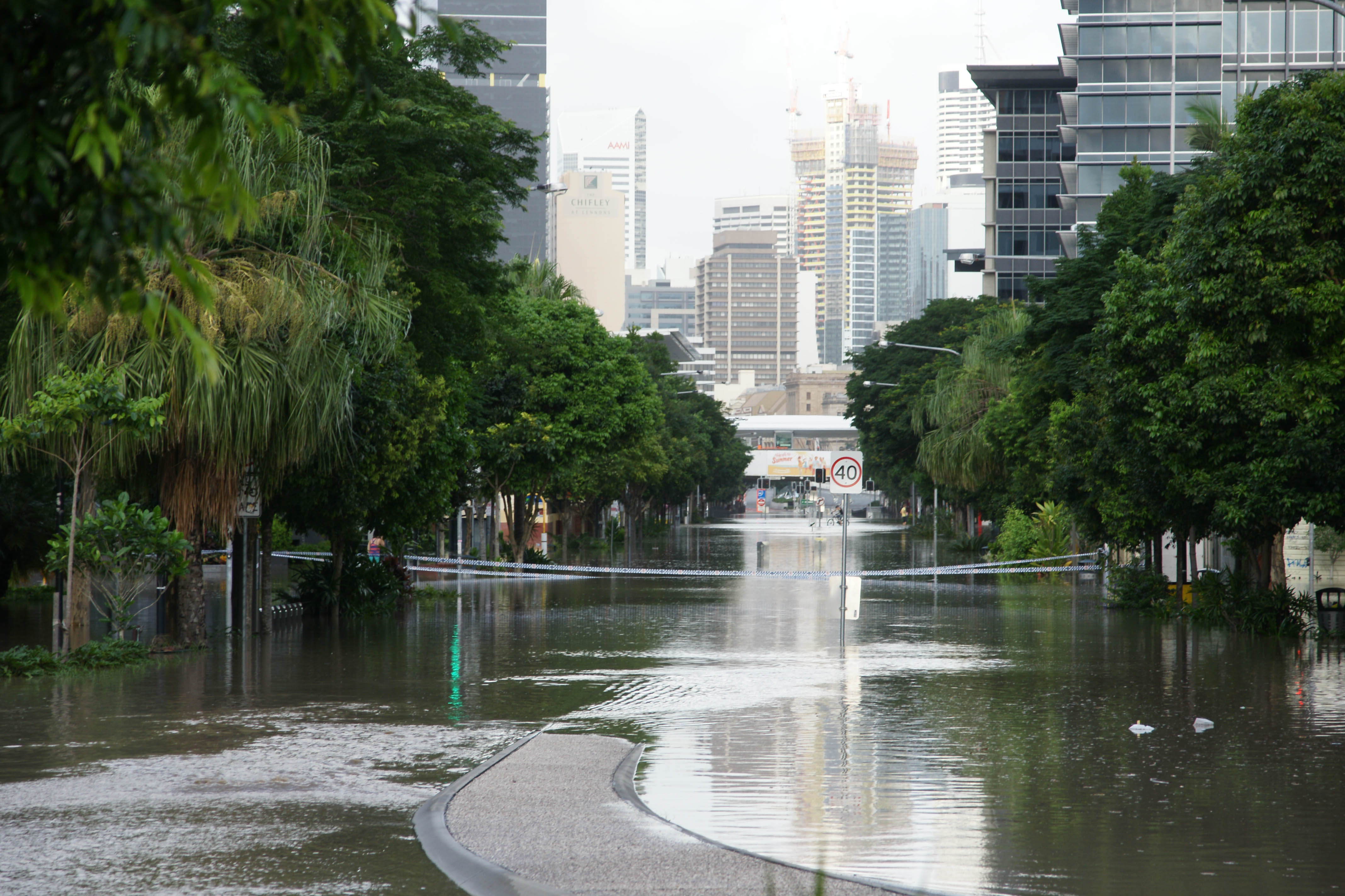 Melbourne Street 2011 flood Brisbane