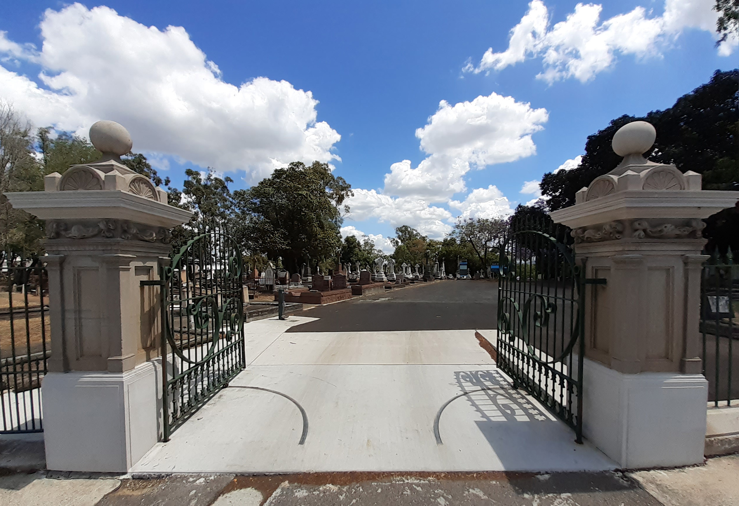 SB Cemetery gates