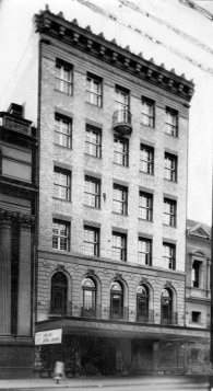 Griffiths House at 311 Queen Street was constructed in 1924/25. (State Library of Queensland)