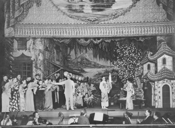 A performance of Madam Butterfly by the Marie Knight Corkran Operatic Society in 1937 (State Library of Queensland)