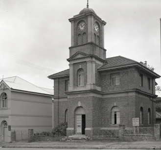 The Library and School of Arts in 1949. (Brisbane City Council)
