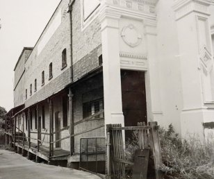 The Princess side wall in 1986. (State Library of Queensland)