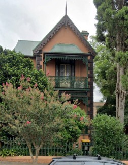 The Raven house in Petersham. (Google Earth)